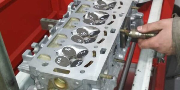 Проверка плотности клапанов ГБЦ VAG 1.4 TSI техцентр Сатон Ставрополь
