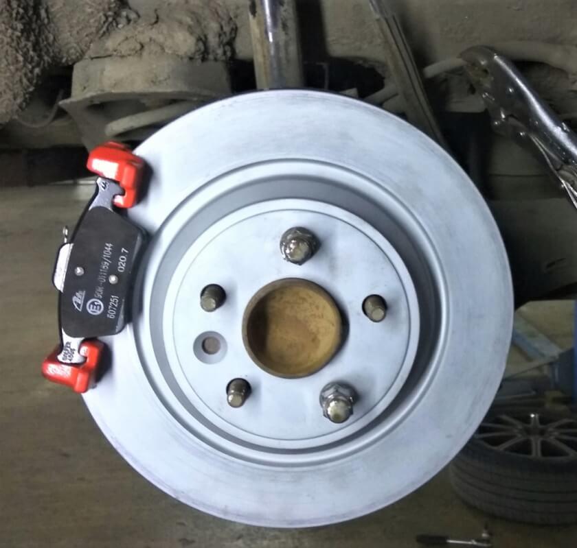 Замена передних и задних дисков и колодок Форд Фокус 2 Фокус 3 техцентр Сатон Ставрополь