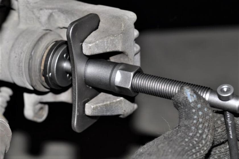 Хендай Санта Фе замена тормозных дисков колодок жидкости техцентр Сатон Ставрополь